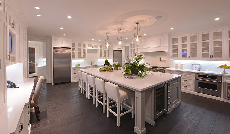 A Cook 39 S Dream 10 Luxurious Home Kitchens