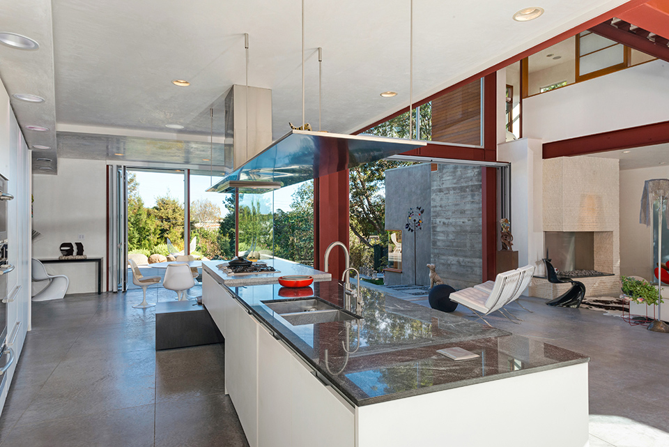 Partners Trust // Los Angeles Times Home of the Week