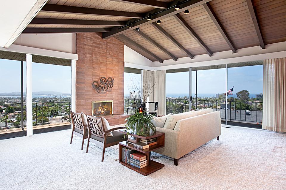 Mid Century Modern With Panoramic Views