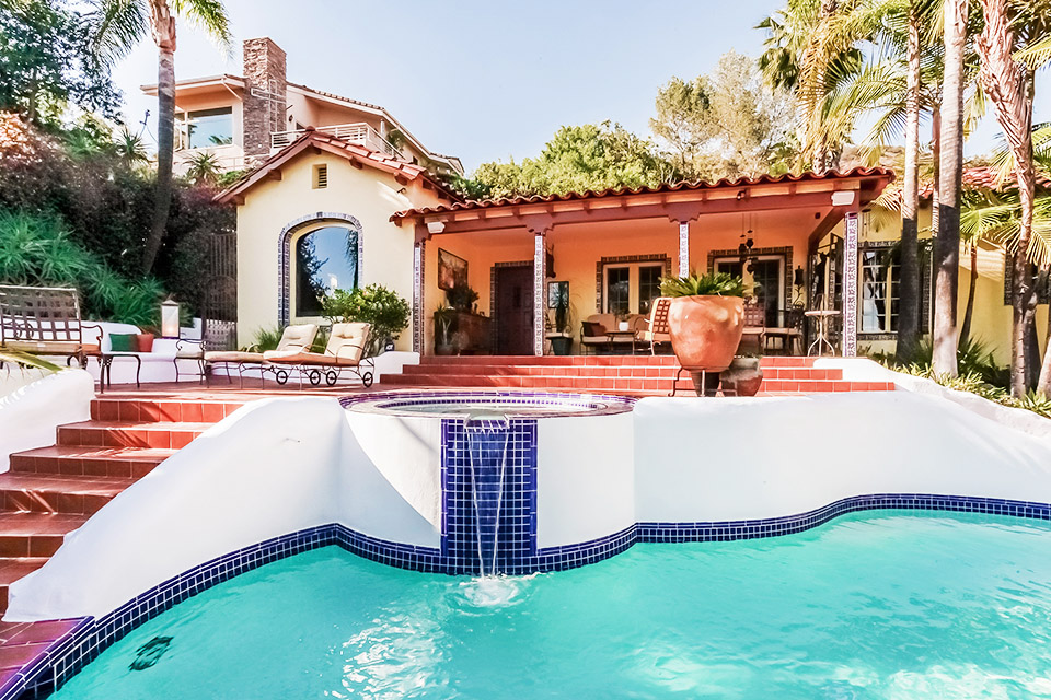 Spectacular spanish style villas for What is swimming pool in spanish