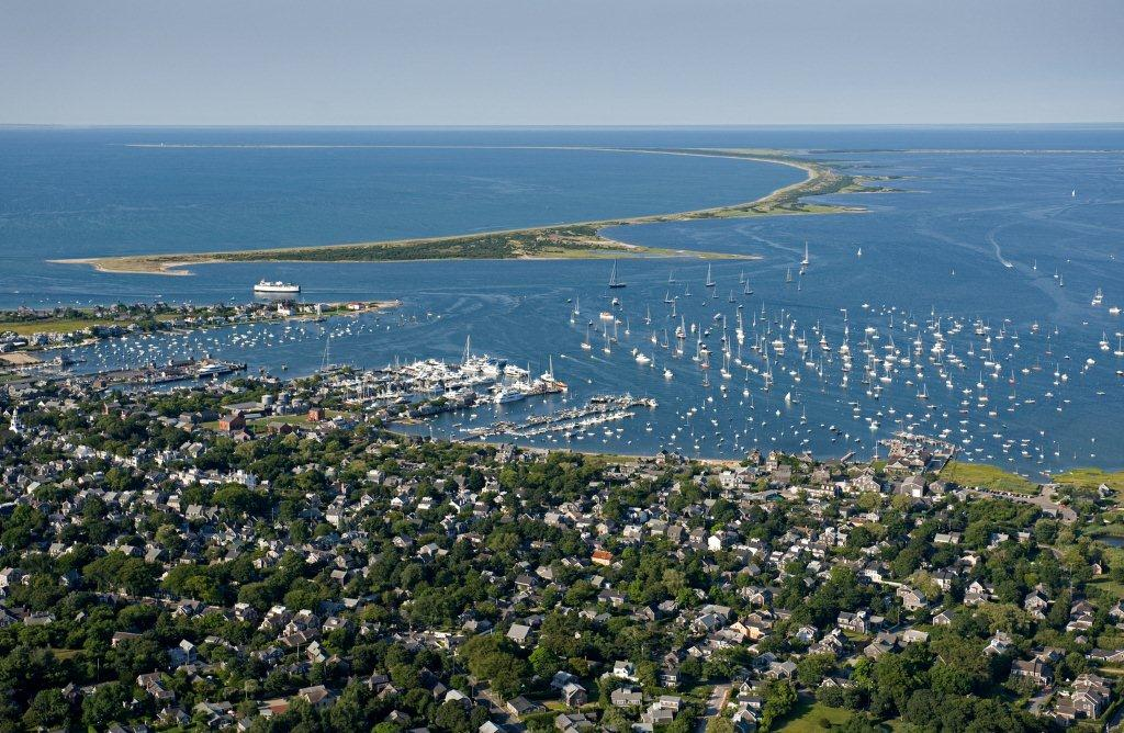 Aerial_of_harbor_(KN)_-(ZF-0683-92932-1-001)