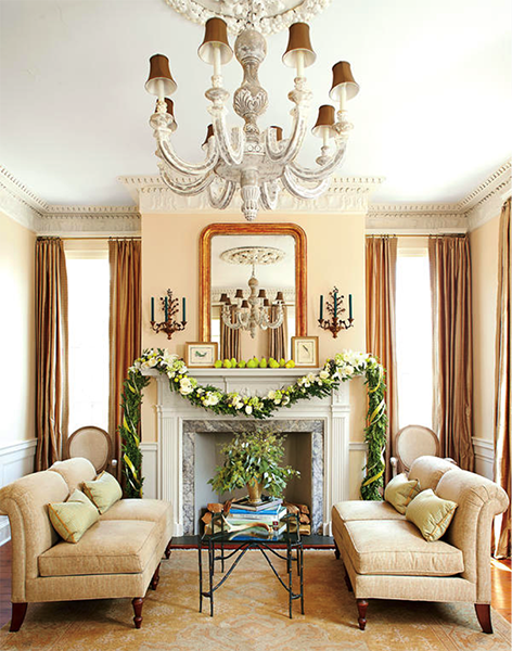 And It Couldnu0027t Be Easier: Drape A Fresh Garland Over The Mantel And  Arrange A Grouping Of Fruit On Top.