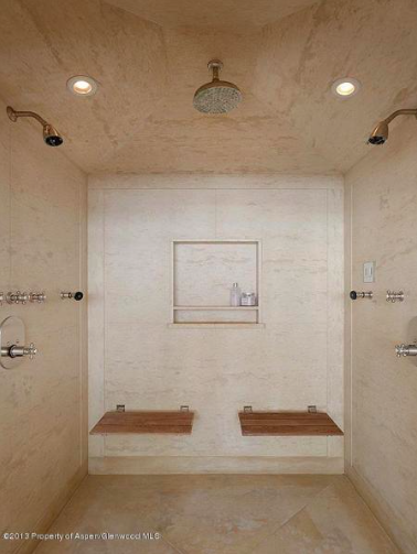 Aspen Estate With Walk In Double Shower Represented By Shane Aspen Real  Estate