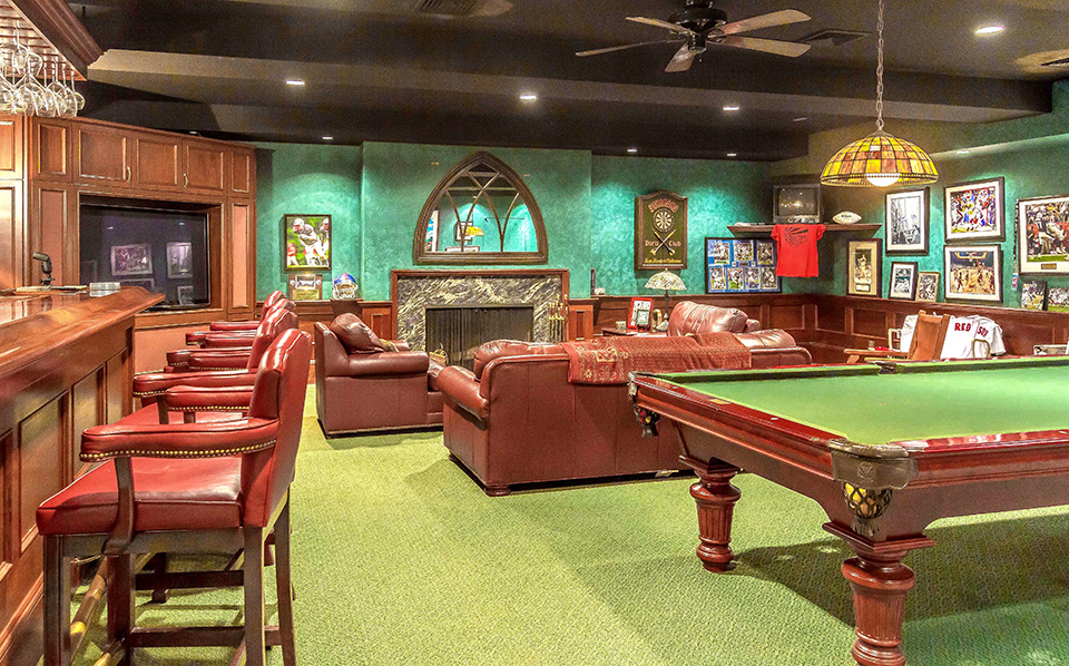 Man Cave Billiard Room : Homes with chic and sophisticated billiard rooms