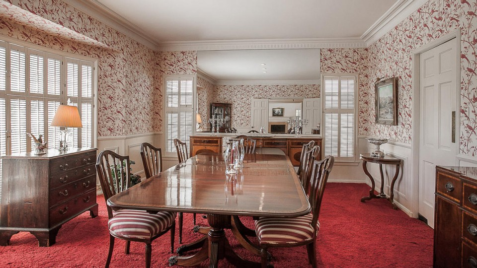 Traditional Home: Dining