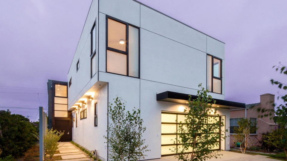 Modern Property: 3540 Redwood Ave Exterior