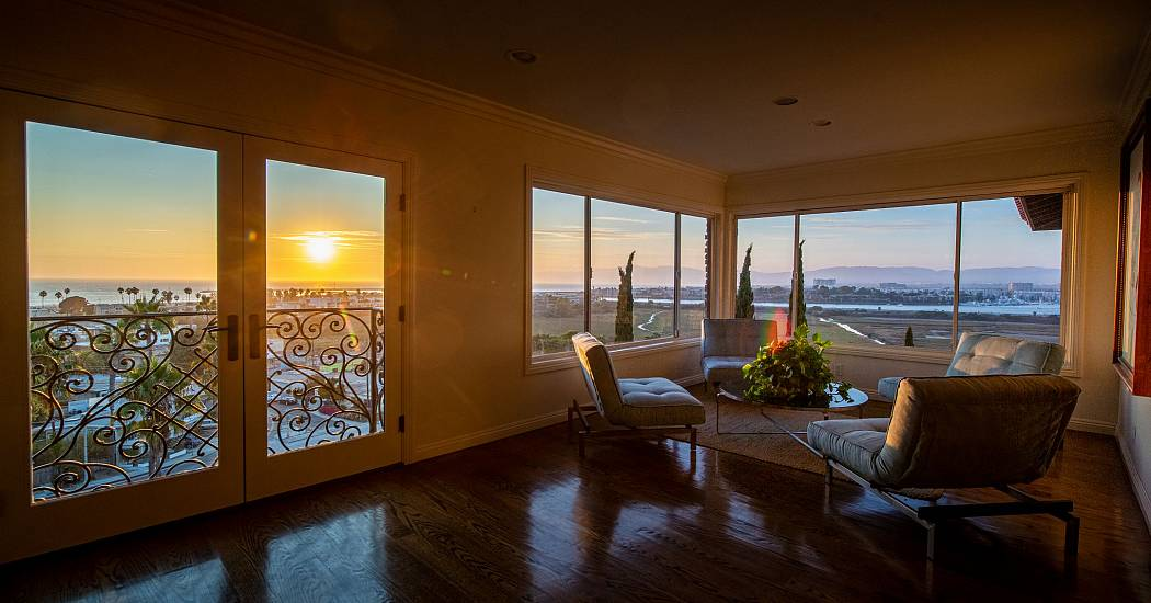 sitting room sunset 1.jpg