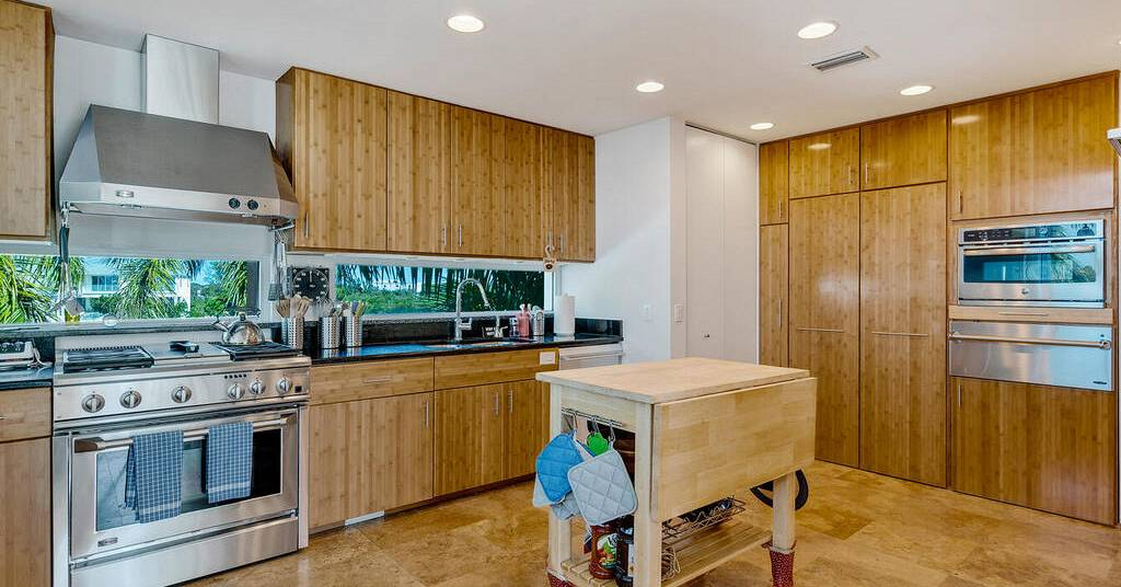 7142 Westmoreland Dr - kitchen2.jpg