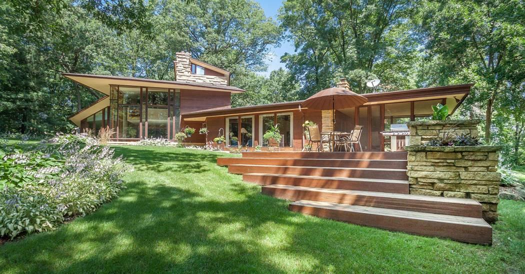 Wisconsin Modern: Frank Lloyd Wright-Inspired Home | Leverage