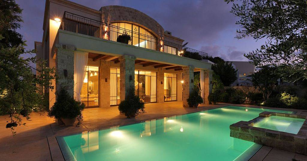 8563 Luxurious Villa In The Best Street In Herzliya Pituach