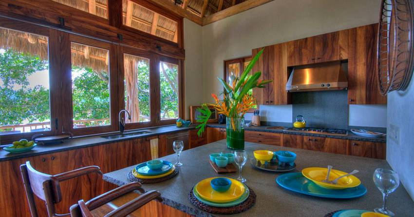 punta-sayulita-casa-interior-kitchen-01.jpg