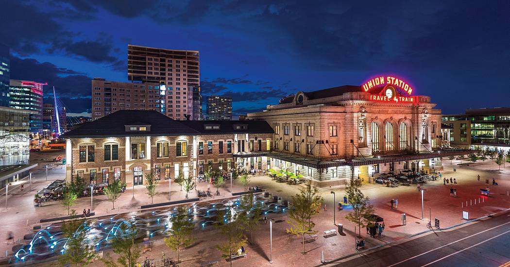 denver_union_station_exterior_night_a32f4514-c313-479c-b758-bf0b22e5317d.jpg