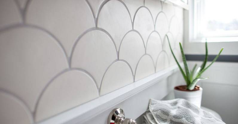 White-Fish-Scale-Backsplash-Tiles.jpg