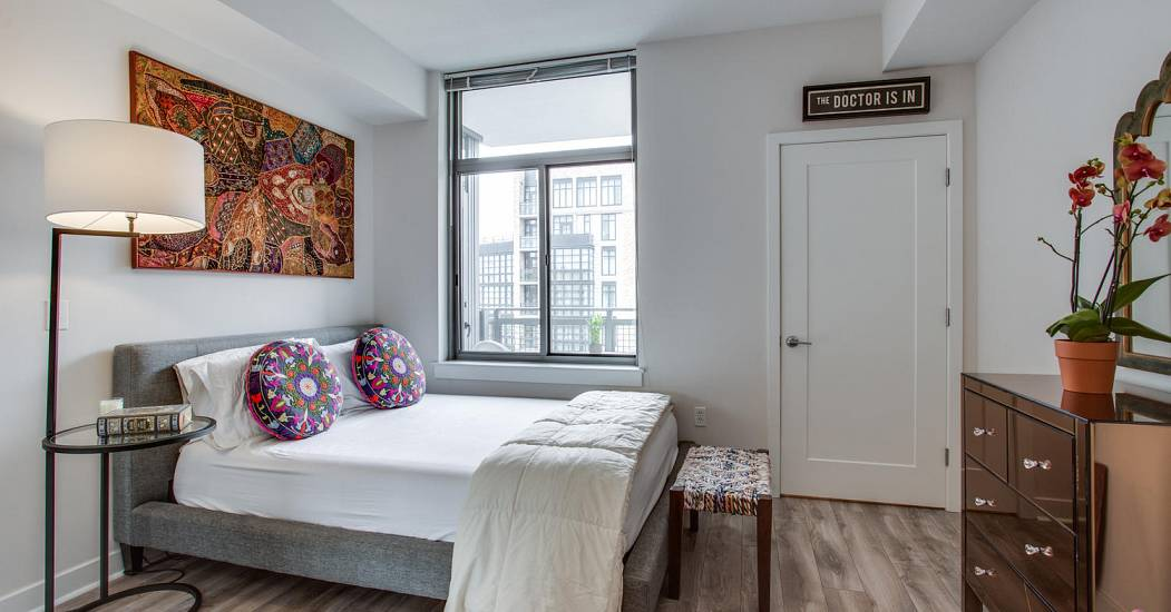 460 New York Ave NW Unit 902-large-033-54-Bedroom-1500x1000-72dpi (1).jpg