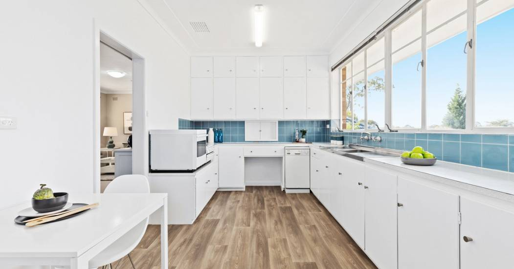 3 Arrunga Avenue - Kitchen - Web.jpg