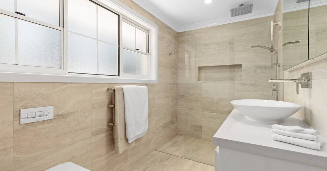 2 Bannockburn - Bathroom - Web.jpg