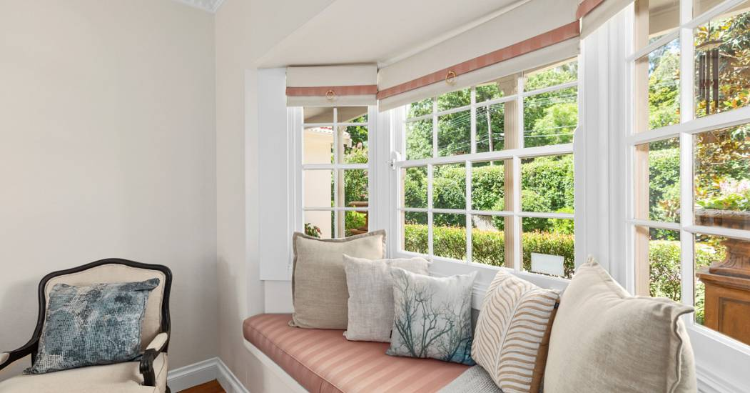 2 Bannockburn - Bay Window - Web.jpg