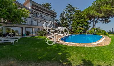Buy in Sicily Real Estate offers the exclusive sale of a panoramic villa