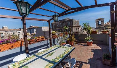 Wonderful renovated apartment in the historic centre of Catania