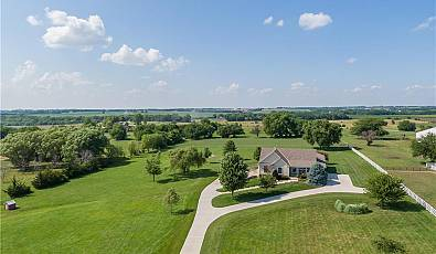 Immaculate Ranch on 4.98 Acres M/L