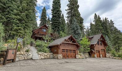 Inviting Mountain Retreat | North Lake Tahoe