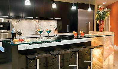 Entertain in Style: Luxurious Home Bar Designs
