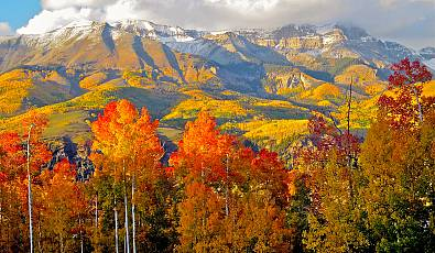 Finding Fall: The Top Locations to Enjoy Autumn Scenery
