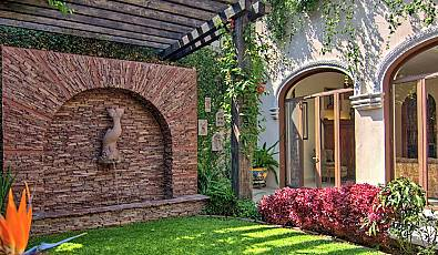 LUXURY LIVING IN ATASCADERO