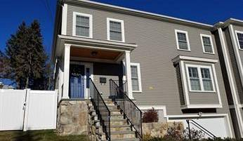 GORGEOUS TOWNHOUSE IN NEWTON UPPER FALLS!